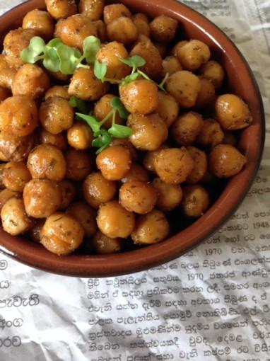Sri Lankan Roasted Chickpeas